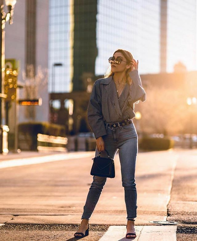Everything on point, and ready for Monday. Good morning from #downtownelpaso Photo and model @_little_zenny_ #dtep #downtowneptx #photography #elpaso https://ift.tt/30YgIF3pic.twitter.com/NRL4ts5cWk