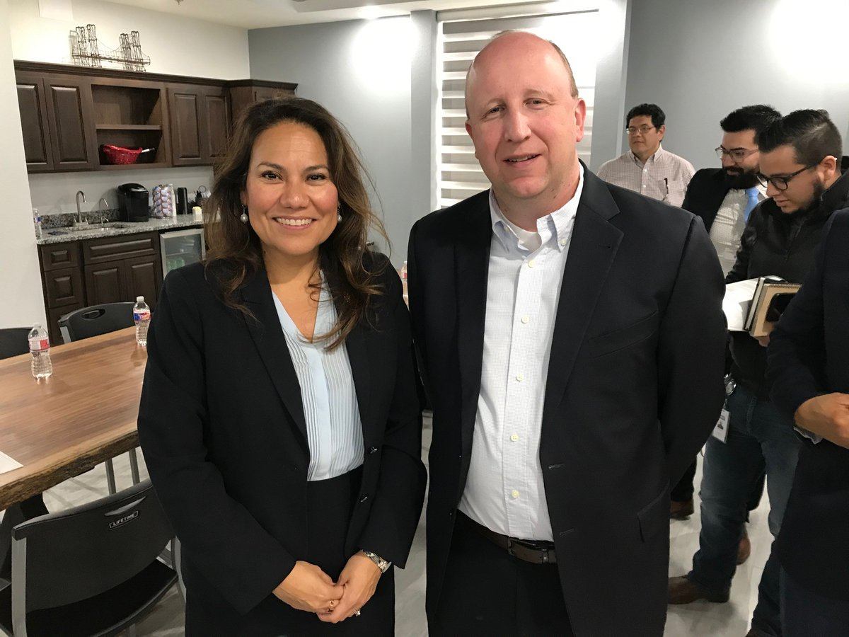 Last week, @RepEscobar met with local business leaders in #ElPaso to discuss the benefits #USMCA brings to the region's economy. One of the local leaders was International Paper Complex Manager, Jason Constans, who invited the the Congresswoman to tour the plant later this year.pic.twitter.com/VR8WHpOXSw