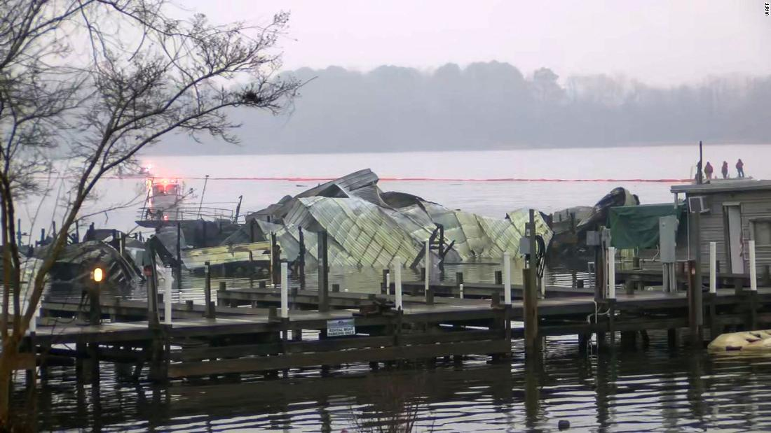 Fire officials say an unknown number of people are dead and others are missing after a dock fire in Scottsboro, Alabama. Most of the several dozen boats at the dock were houseboats.  https://cnn.it/2uyD2ci