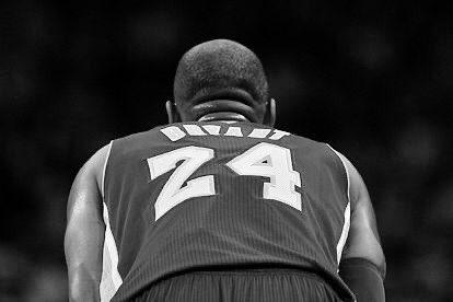 #KobeEsLeyendaPor que hizo lo que los dioses hacen... ser inmortales... Michael Jordan, Kareem Abdul-Jabar, Magic Johnson, Wilt Chamberlain, Dikembe Mutombo, Shaquille O'Neal, Pippen, Lebron James, Rodman...24 pic.twitter.com/kkWH8KGa0y