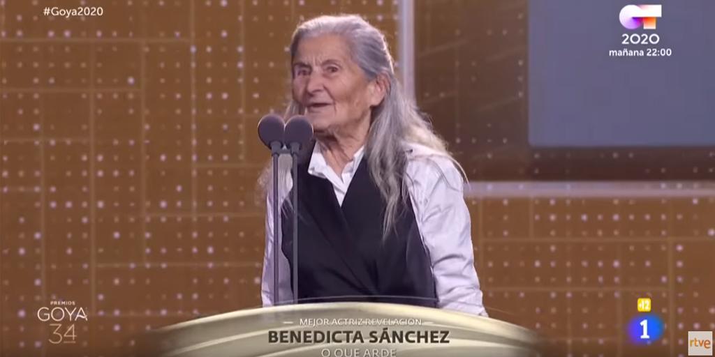 """test Twitter Media - 🏆Benedicta Sánchez, de 84 años, recibió el sábado el @PremiosGoya 2020 a la Mejor Actriz Revelación por su papel en la película """"@O_Que_Arde """" y, desde AESTE, aplaudimos este reconocimiento a la experiencia y al esfuerzo por parte de la academia. 👏 📹https://t.co/je8fqsTnkb https://t.co/Axl4kzLIWc"""