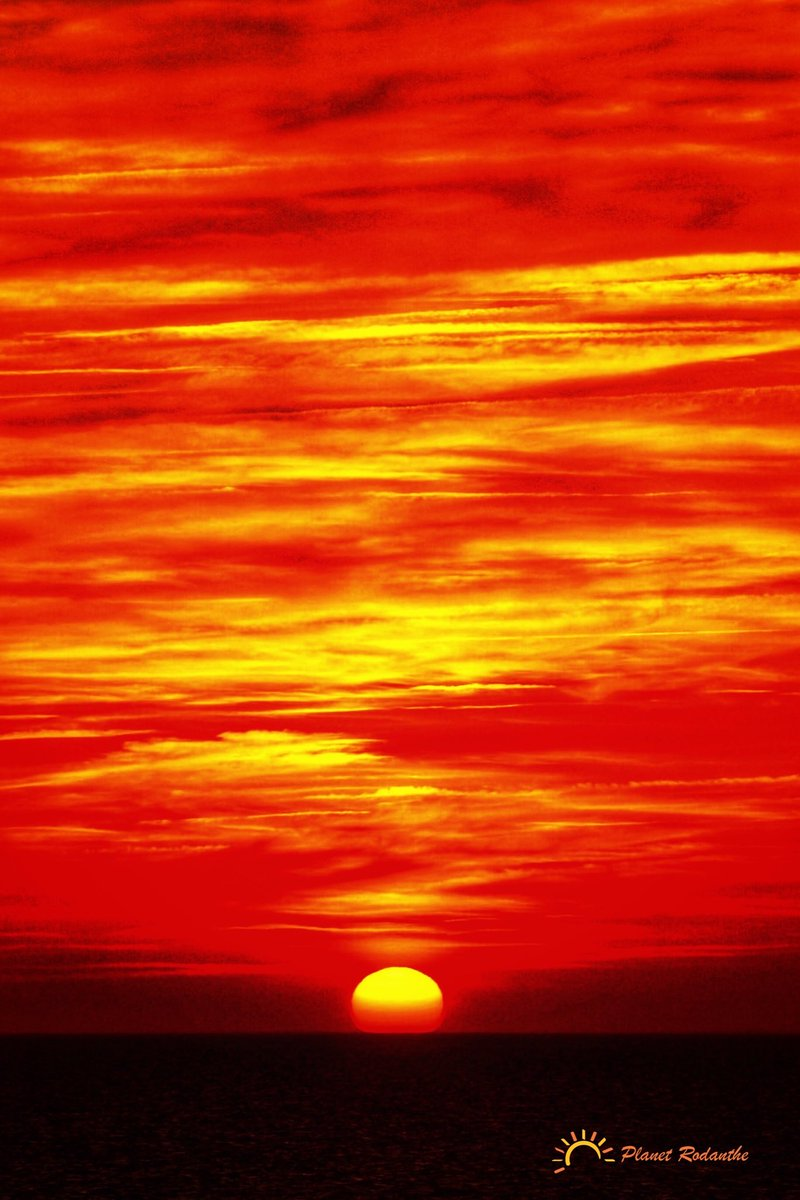 Sunset #sunsets #sunset #nature #ig #sky #pics #photography #sunsetlover #sunsetphotography #naturephotography #landscape #sunrise #love #travel #sunsetlovers #clouds #photooftheday #sun #landscapephotography #beautiful #beach #travelphotography #skyporn  https://itunes.apple.com/us/app/ezy-watermark/id494472589?mt=8…pic.twitter.com/PWz6y3Jcji