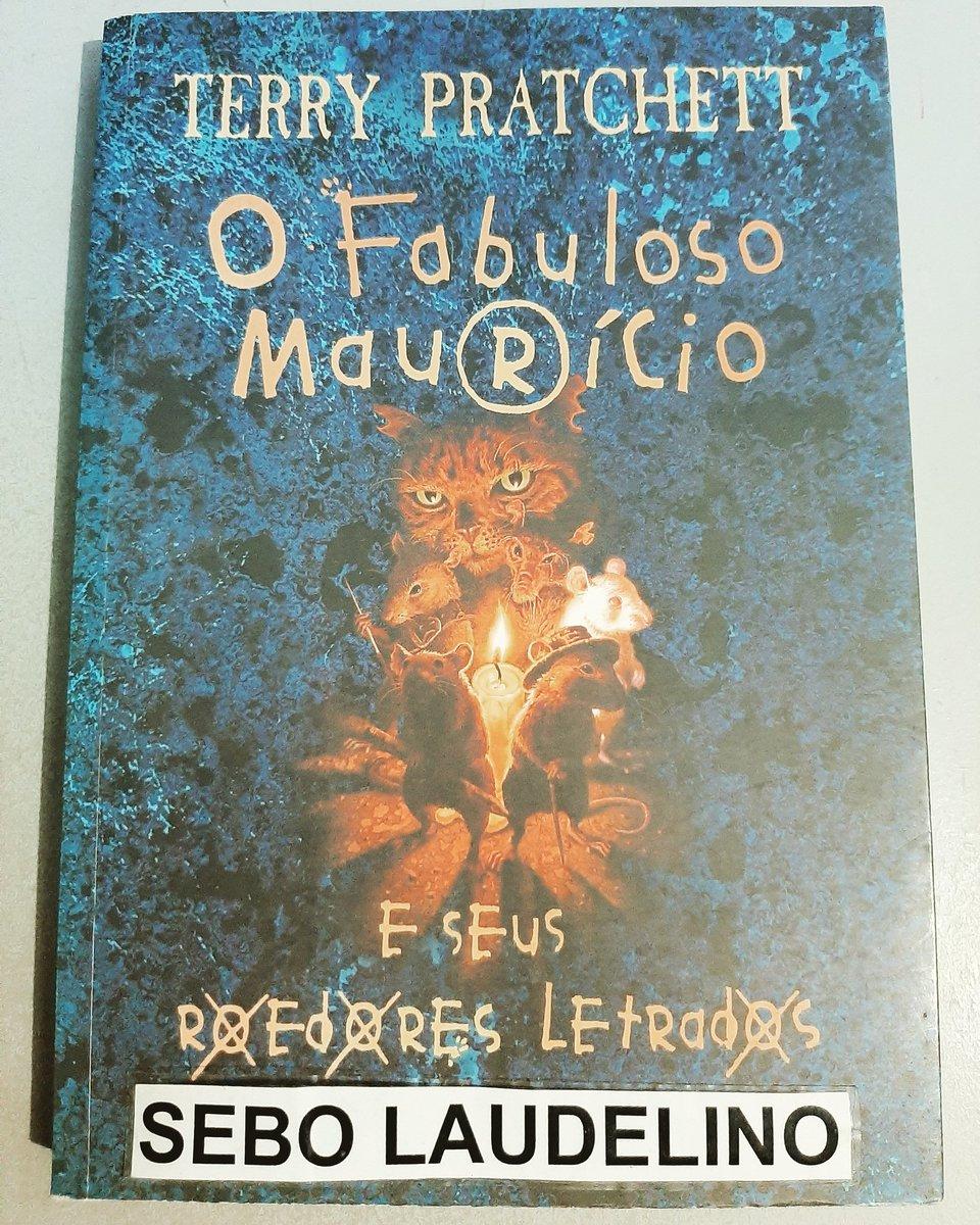 """Dica de livro loja virtual: """"O Fabuloso Maurício e Seus Roedores Letrados"""" de Terry Pratchett R$ 15,00 + frete. Link para compra: https://www.estantevirtual.com.br/mod_perl/info.cgi?livro=2100436123… #dicadelivro #literatura #infantojuvenil #fantasia #amolivros #amoler #sebo #sebolaudelino #loja #SegundaDetremuraSDV #bookpic.twitter.com/OzUPU9zFWH – at Sebo Laudelino"""