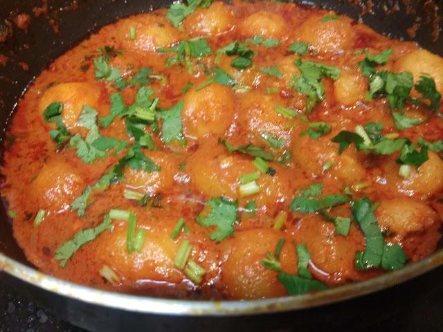 દમ આલુ -Dum Aloo  #aloo #indianfood #foodie #foodporn #food #foodphotography #yummy #foodblogger #foodgasm #instafood #potato #tasty