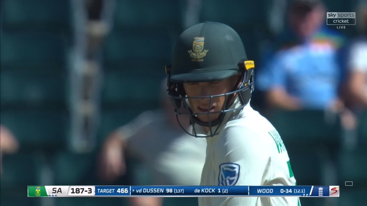 💬 Maybe the game-breaking moment... 💬 No 💯 for Van der Dussen as he spoons Wood to short extra-cover 🤦♂️ Two quick wickets have really boosted England 🏴 📺 Watch 🇿🇦🏴 live: trib.al/Yw4xB03 📰 Over-by-over blog: trib.al/sdlf5PM