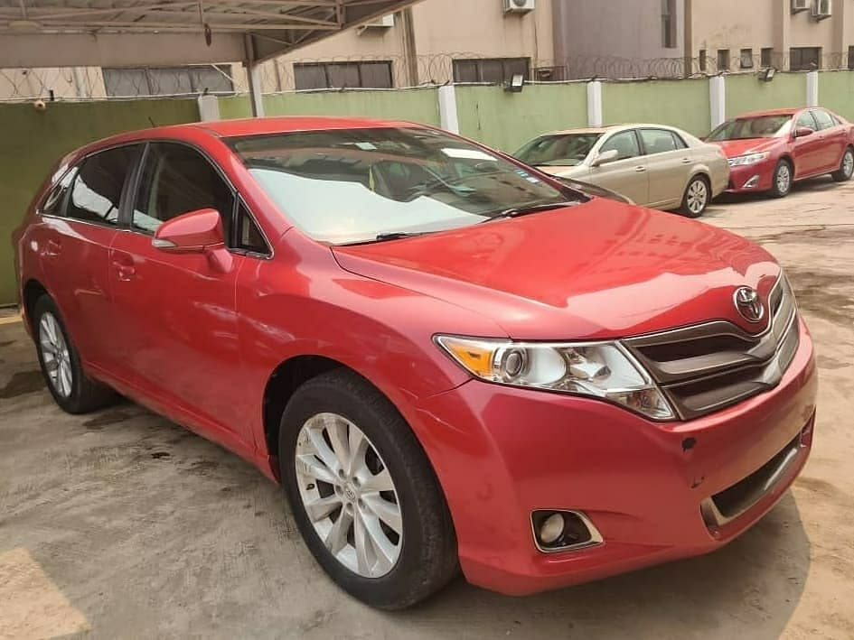 Brand: Toyota Model:Venza Year: 2013 Colour: Red Price: 5.5M Condition:Foreign Used /neat Engine and gear   Location: Ikeja Lagos  Refer a Buyer N' Earn  Call 09069954729 .  #EddieCarDealer #AutoDealer #foreignused #nigerianused #verifiedcars #ToyotaVenza pic.twitter.com/JjcOAppHyO