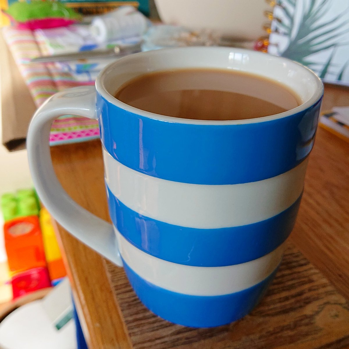 Cuppa time.. . . #Cornishware #cornwall #homedesign  #angelstrawbridge #homedecor #kitchendesign #relax #cuppatime #cupoftea #mumlife #motherslife #bluestripespic.twitter.com/3zHgjzKz0E