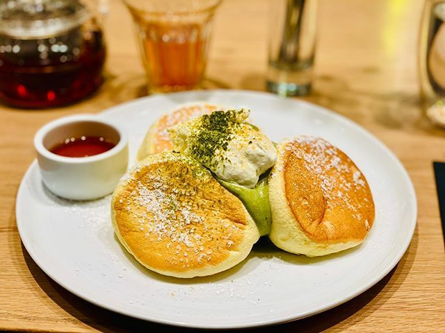 Matcha Soufflé Pancake! Although next time I will actually try their savory pancakes because those are New York exclusive! #soufflepancake #pancake #matcha #flippers https://ift.tt/2GspUrVpic.twitter.com/87N6Z4FG7v