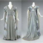Image for the Tweet beginning: 1910 tea gown, House of