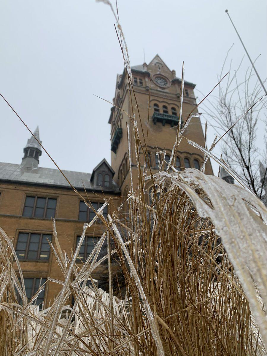 """Frozen""#PhotoOfTheDay 📸: Prajakta ChavanShare your pics and videos at http://go.wayne.edu/photos/. #WayneState #Detroit #OldMain"