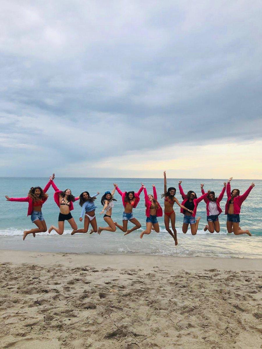 Arrancancamos #ElViajeDeTuVida con toda  Primer parada #Miami con amigas #FifteensFebrero2020 #SomosFifteens pic.twitter.com/Rr67KnjqcS