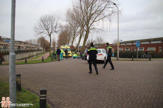 Meisje gewond bij ongeluk Verburghlaan https://t.co/CNXa9gwgEH https://t.co/XmnqUGrdMC