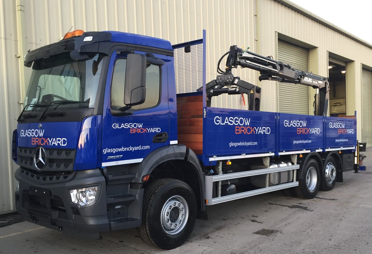 test Twitter Media - Mercedes Arcos drop side builders merchant body with hard wood flooring and an Atlas 135.2E crane  Built and painted by MW Hull Graphics by MW Graphics  With thanks to Gavin Baines at @Asset_Alliance and Glasgow Brick Yard https://t.co/S8FV3zGzA2