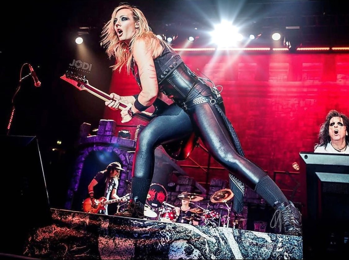 Heading out on the road with the traveling circus of the @alicecooper tour a week from today!! Australia, New Zealand, USA and Canada in our sights, plus 2 solo tours in the works and a record to finish!! Excited for what's ahead!  What concerts are you excited for this year?