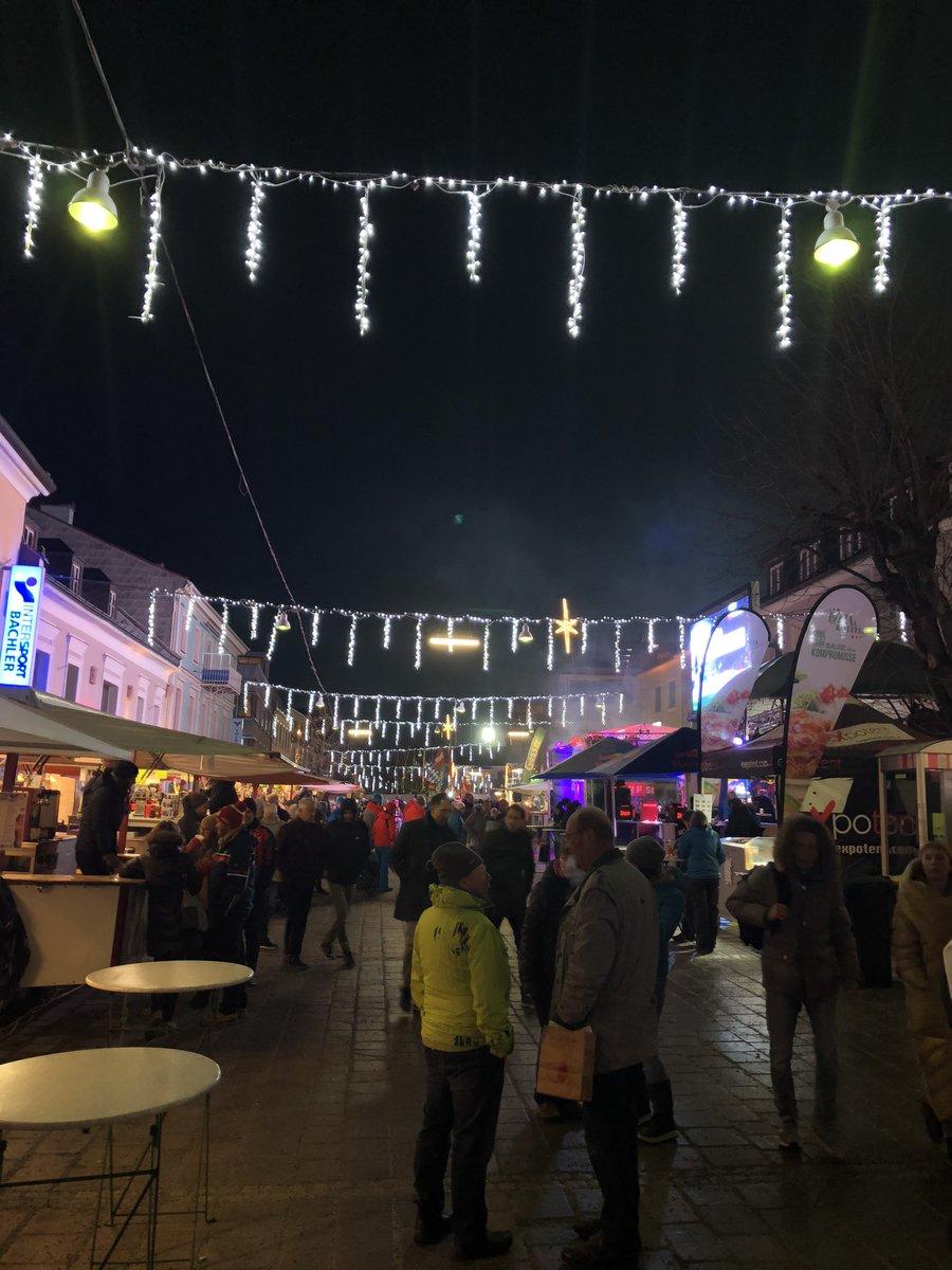 #schladming at party#nightrace preopening #visitaustria #AlpineClub #wearediamondpic.twitter.com/7UVdQHTA1n – at Hauptplatz Schladming