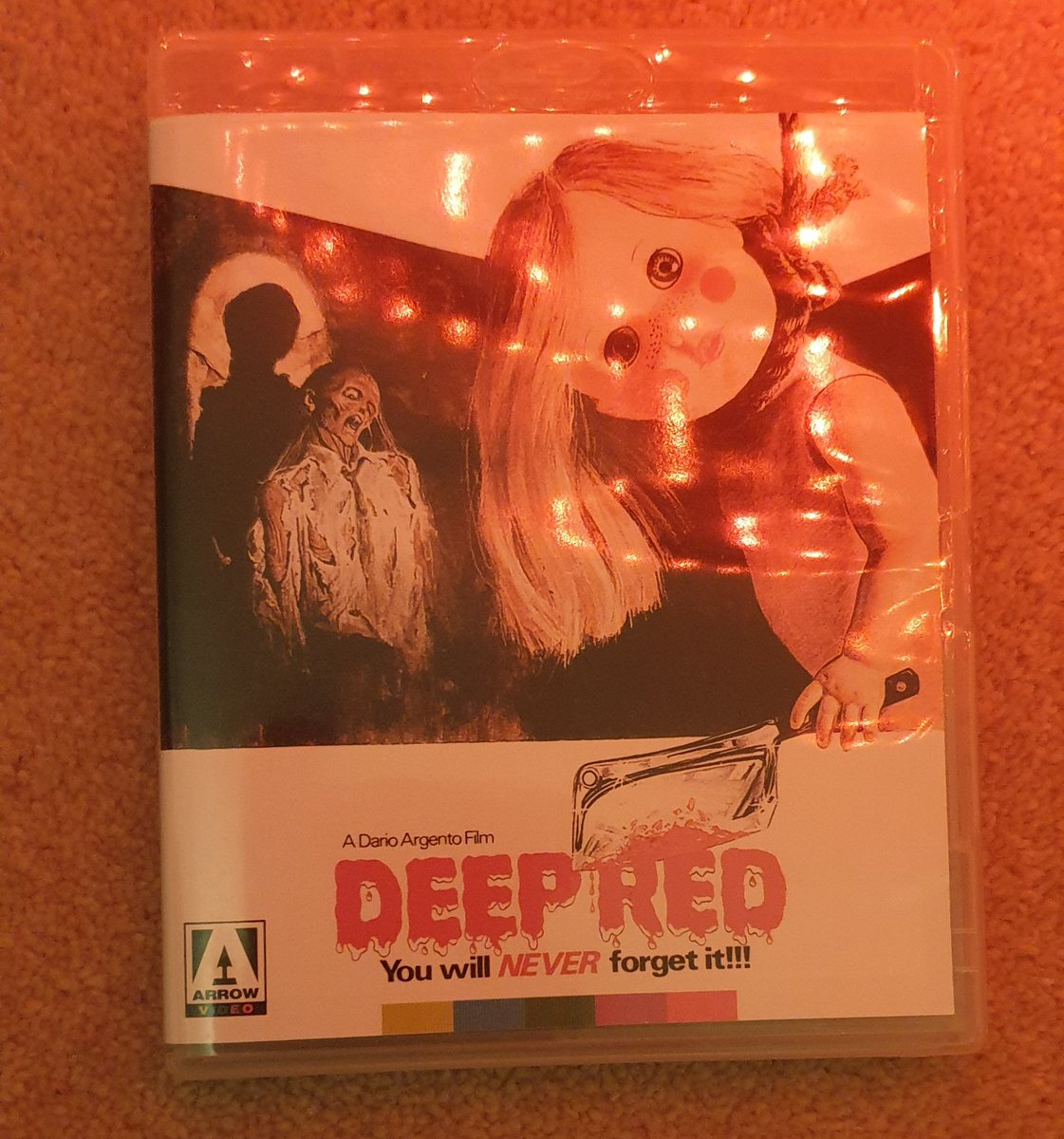 Dinner / Breakfast who knows when you do nights. So up in time to catch a flick too watch before I head out .  @EvolutionPod @ArgentoFans @claudsimonetti @colebrax @PopCultureGamer @Drawonelast #giallo @ScoredtoDeath #deepred