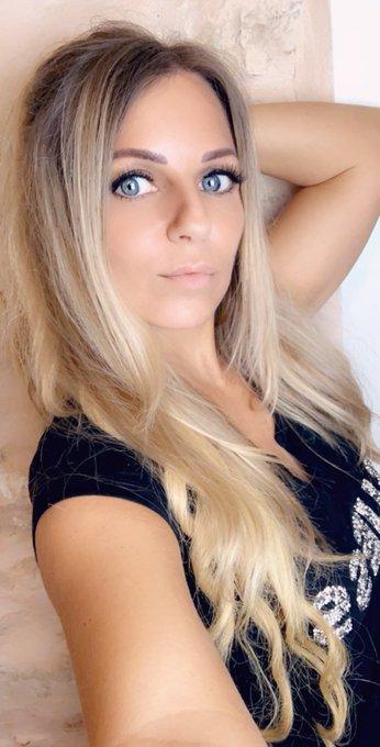 Monday Mood = Sunday Mood 😄 #juliettasanchez #blueeyes #blondehair #monday #mondaymood https://t.co/
