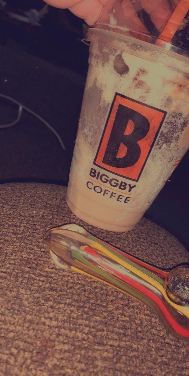 Self medicating  My breakfast consists of caffeine, nicotine, & a smoke shesh.  #maryj #caffeine #breakfast #healthyaf pic.twitter.com/bbor3LvkqY