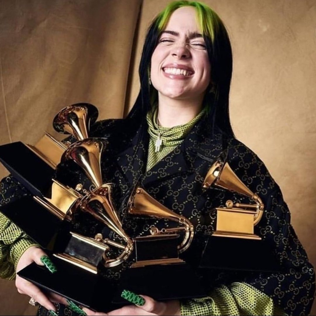 just a reminder that Billie Eilish is 18 years old and won 5 Grammys in one night  SHE FUCKING DID THAT <br>http://pic.twitter.com/AX2sxBuy9f