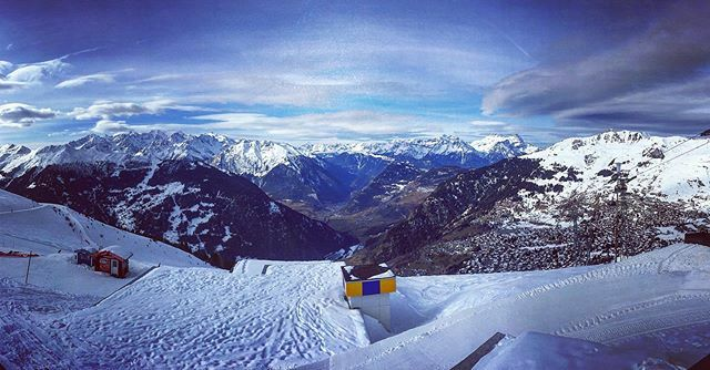 A L P S * S E R I E S #4vallees #feelthealps #alps #switzerland #ski #snow #awesomepic #awesome #doubletap #l4l #lol #love #follow #followme #iPhoneography #iPhoneOnly #follow4follow #iger #igers #igaddict #cool #instacool #instafoto #instagood #I… https://ift.tt/36ytgUR pic.twitter.com/GzC8vcShWr