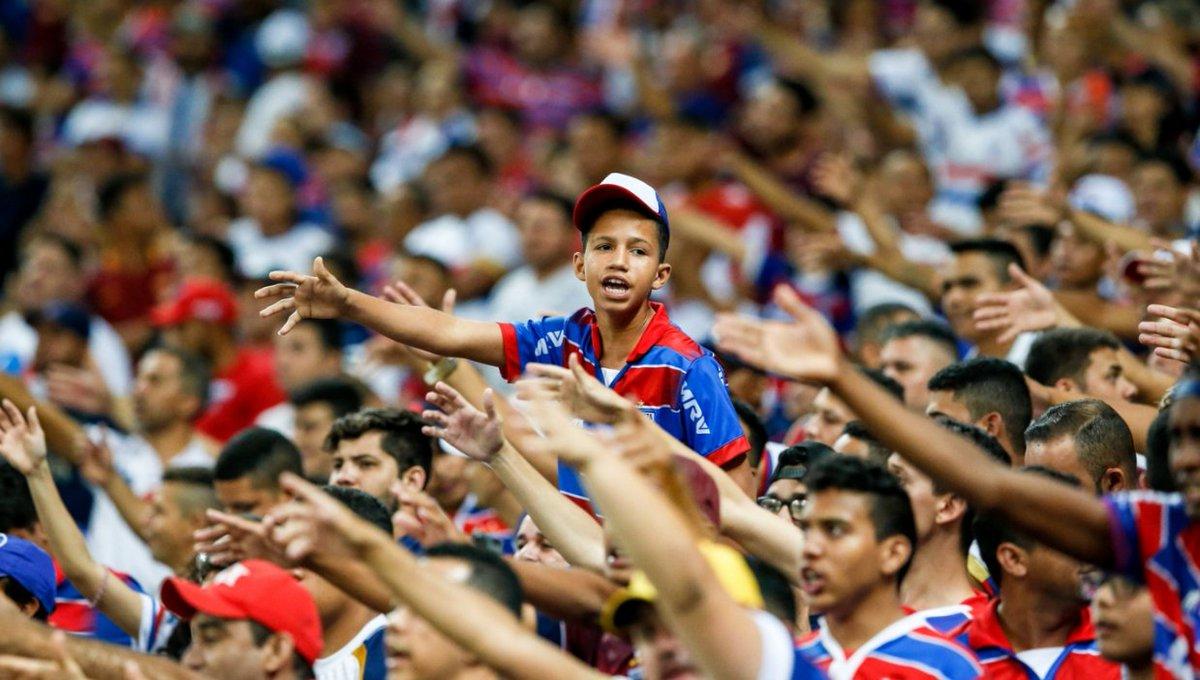 Felipe Alves comemora reencontro com a torcida do Fortaleza em 2020: