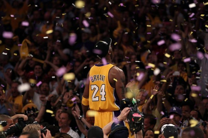 I never understood why Kobe would risk it all on the court.  Playing with torn ligaments & broken bones... Now I get it #LifeIsGood <br>http://pic.twitter.com/wTaSzBABhm