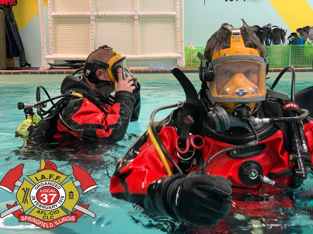 Today, members of Local 37 who make up the Springfield Illinois Fire Department Dive Team held training. The members worked on equipment familiarization, donning and doffing of The BCD's, search techniques, buddy breathing, buoyancy control and clearing masks.#SFDLocal37onTheJobpic.twitter.com/qrCreUDulw