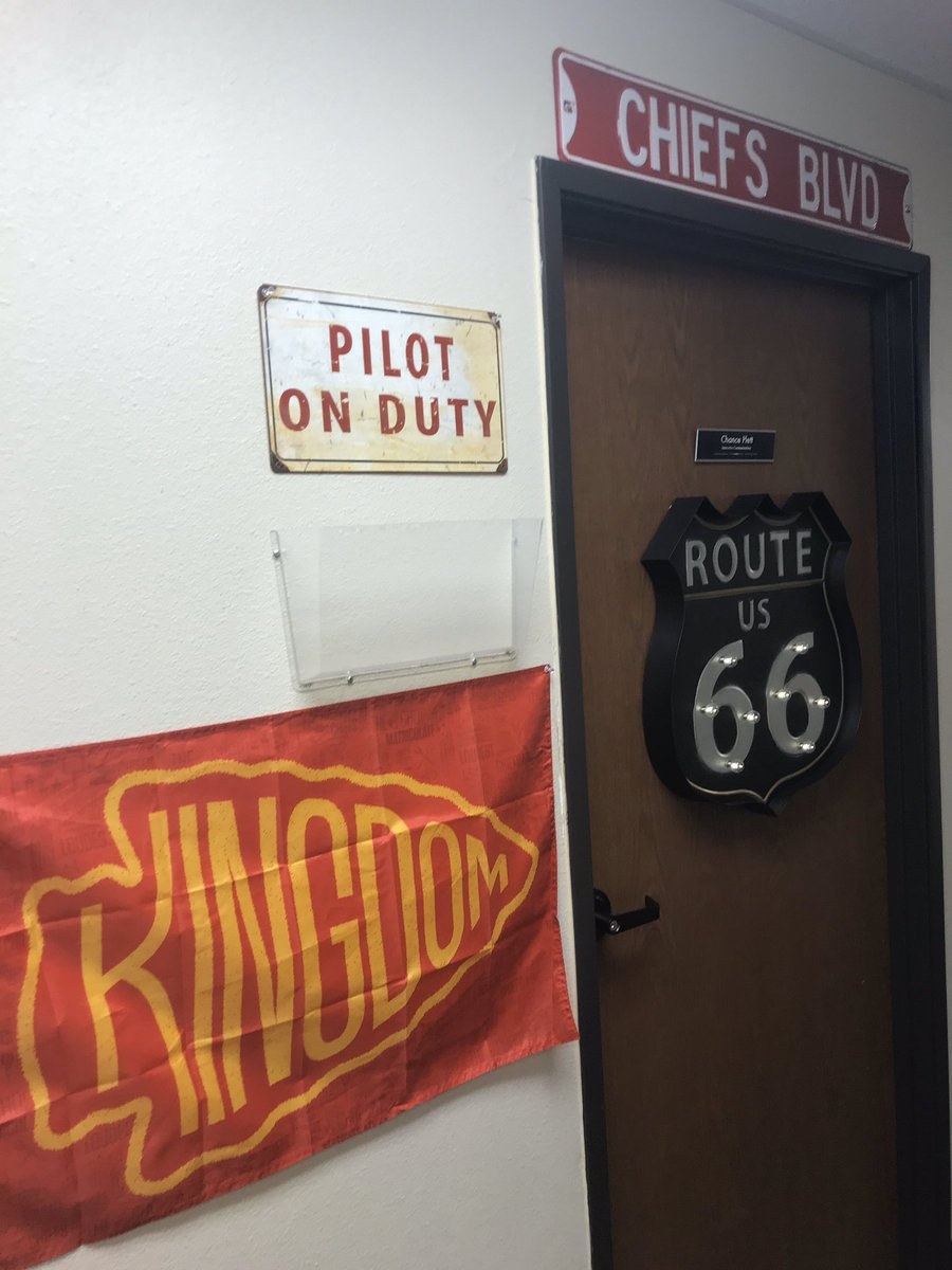 My office is ready for the Super Bowl. The inside was already set, but I bumped the exterior up a notch. Expect an inordinate amount of Chiefs pictures from me this week. #ChiefsKingdom   <br>http://pic.twitter.com/MQNFy5Hs3z
