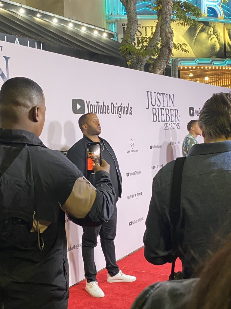 Kenny Hamilton, Alfredo Flores and Nick DeMoura at the Justin Bieber: Seasons premiere event in Los Angeles, California. pic.twitter.com/F0jfiXQlSr