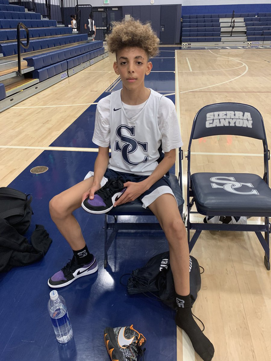 Sierra Canyon 8th grader Justin Pippen: poured in 28 points with five 3-pointers in a 57-50 victory against Campbell Hall @trigonis30 @FrankieBur @RonMFlores @RyanSilver1 @JoelFranHoops @SCanyonSports @spippenjrpic.twitter.com/FXV7vtSycg