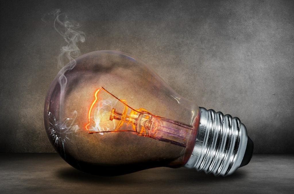 L'envoi d'un mail avec un pièce jointe c'est l'équivalent d'une ampoule allumée pendant une heure. Il est temps d'agir pour travailler de manière éco-responsable. Retrouvez notre infographie pour en savoir plus. https://t.co/AkF97f6efA https://t.co/NVcZIC7xhi