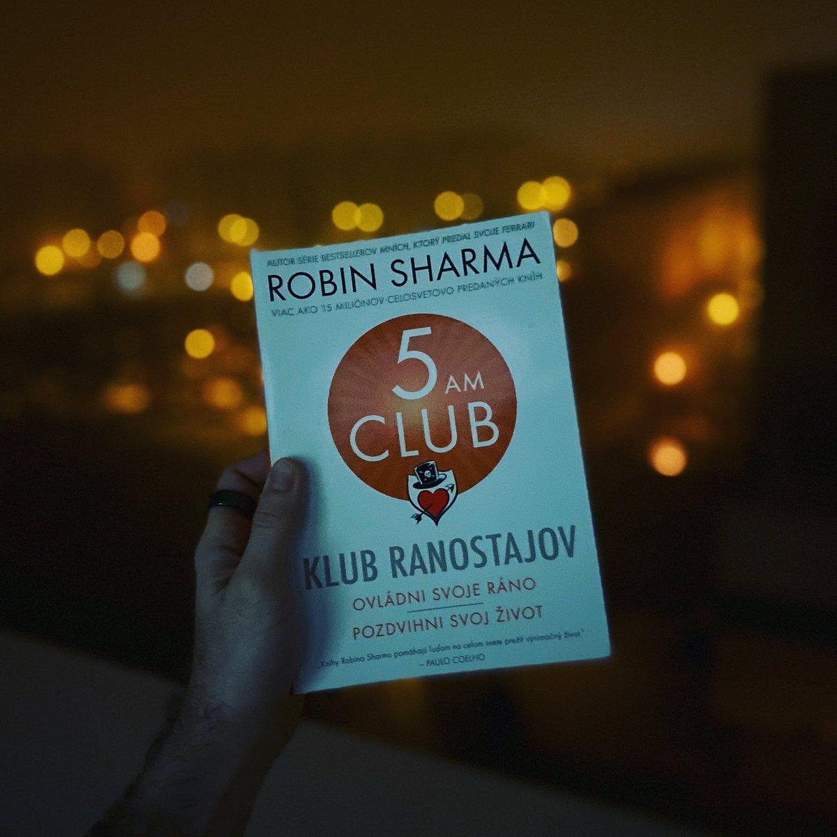 Som veľmi rad, že sa mi dostala tato knižka do ruky. Vďaka nej som objavil krásu rannej rutiny, ktorú sa budem snažiť zlepšovať. #the5amclub #klubranostajov #robinsharma #victoryhour #reading #bookstagram #morning #dnescitam #carovnapolickapic.twitter.com/qSIsjyQeGb