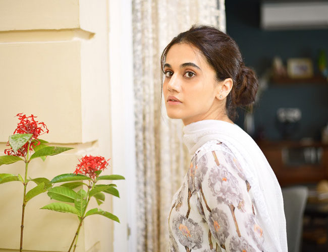 The trailer of @anubhavsinha 's #Thappad to be out on this day!  @taapsee #RatnaPathakShah @Manavkaul19 @deespeak #TanveAzmi #Ramkapoor #Bollywood #cinema #latest #news #downloads #movies #success #songs #santabanta #santabantanews