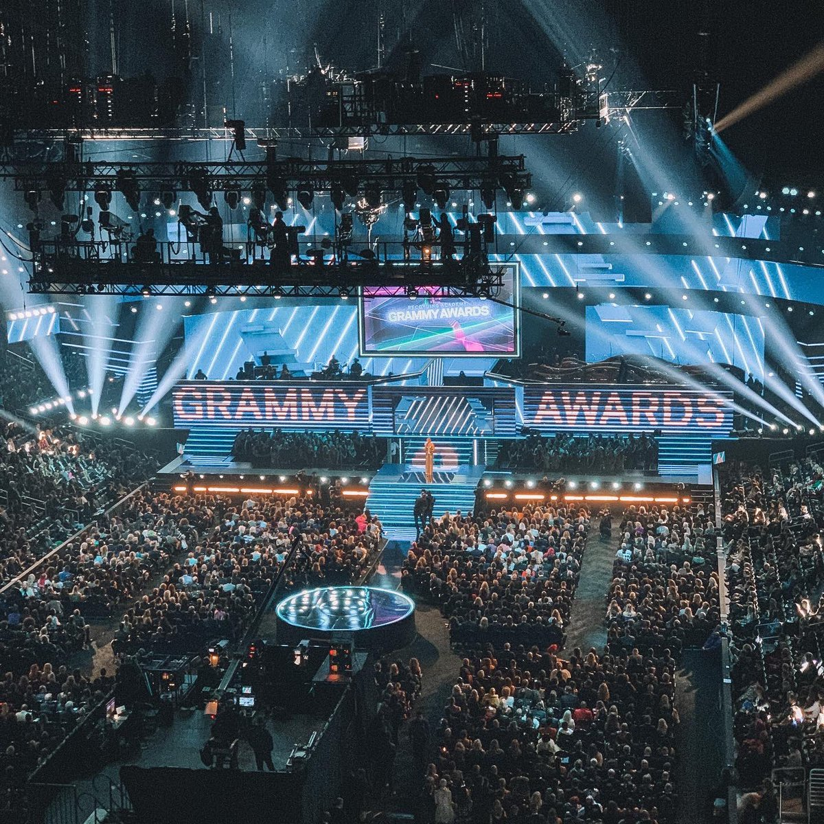 What a time to be in LA. It certainly was a mixed day emotionally with thousands of people flocking to Staples Centre to pay tribute to Kobe. Somehow I made it just in time to the Grammys, such a cool experience.