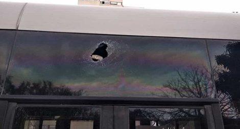 Pietra lanciata contro un autobus al Villaggio Santa Rosalia a Palermo - https://t.co/7TBJXoib8t #blogsicilianotizie