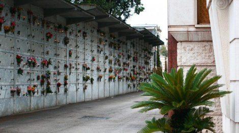 Dimentica la borsa con i soldi al cimitero, una donna la trova e la riconsegna - https://t.co/a9df280Nht #blogsicilianotizie