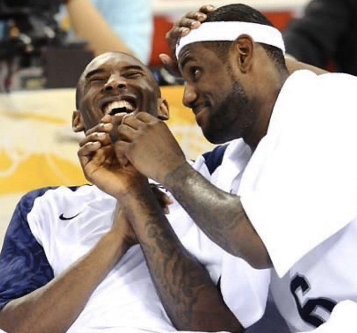 RT @B24PT: LeBron James expressa a sua dor pelas mortes de Kobe e Gigi. https://t.co/UIDohaeCB3