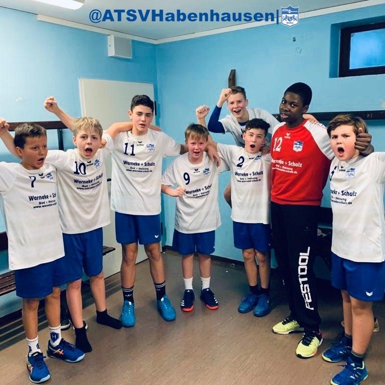 Am Samstag ist unsere 1.Männliche D-Jugend in die Rückrunde gestartet und hat in der #HinniSchwenkerHalle die Jungs vom TuS #Woltmershausen empfangen Den Spielbereicht dazu findet ihr hier http://www.atsvhabenhausen.de/2020/01/75741/ #Handball #Bremen #HabenhauserKidzpic.twitter.com/Xok08TxvAH