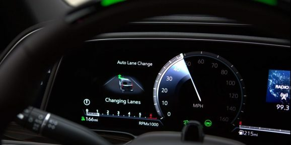 GM's Super Cruise can now make lane changes automatically >  https://ift.tt/2TYXkGF   #technews  #technology  #news