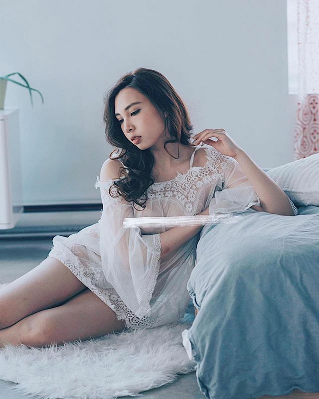 Repost @mochiryoko__ ・・・ . Can't wait to work with @rayray.photo again! . . . . . . • • • • • #boudoir #yeg #boudoirphotography #edmonton #modeling #bikini #lingerie #body #yeggers #gorgeous #sensual #fitnessmodel #stylish #models #boudoirphotogr… https://ift.tt/2RYN3Y7pic.twitter.com/2Q2GEvZxjZ