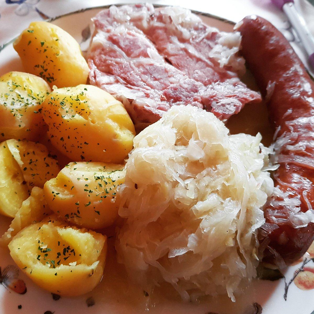 Ripple mit Sauerkraut und Kartoffeln pic.twitter.com/mRs2HP4c3u