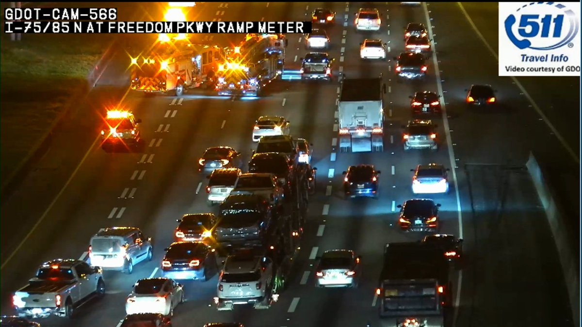 3 lanes including the HOV lane blocked with a wreck on I-75/85 NB at Freedom Pkwy. This is bad news for your downtown commute.  #MorningRushATL <br>http://pic.twitter.com/efKvVnvEBN