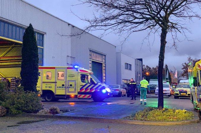 Ernstig gewonde bij bedrijfsongeval Kotterstraat Vlaardingen https://t.co/n12CriLsIs https://t.co/1ZTpeIlIGY