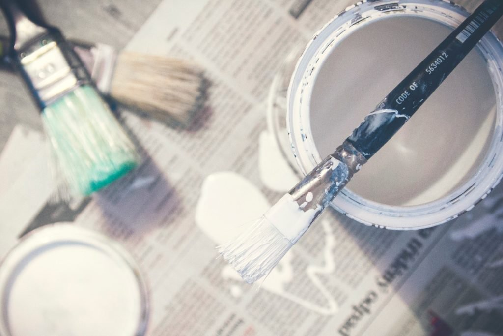 Painting companies offer customers a professional painter to tackle interior projects that they can complete in a day's time.  Read more https://lttr.ai/MlfB  #painterforaday #housepainting #ResidentialPaintingpic.twitter.com/rxTodKZqAS