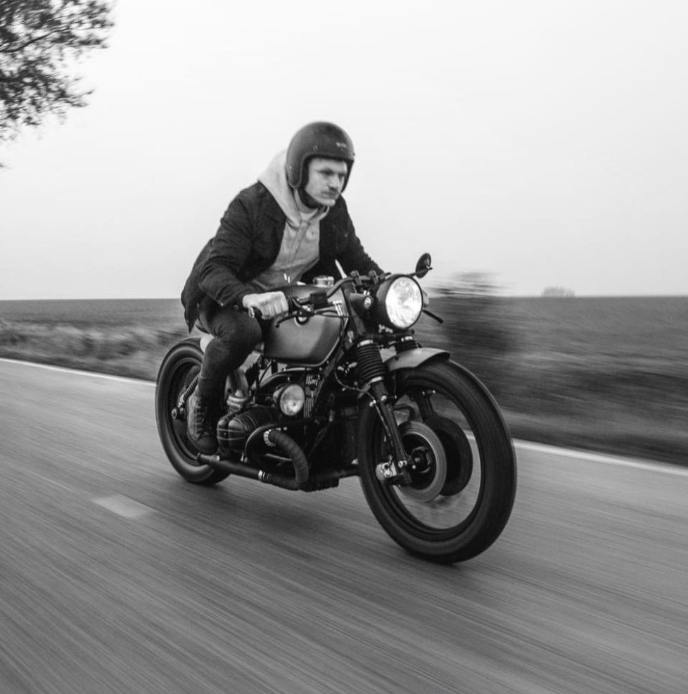 The best way of showing is doing.  https://www.caferacerdreams.es/en/motorcycles/  #crd111 #caferacer #caferacerstylepic.twitter.com/0WL6DOoDw2