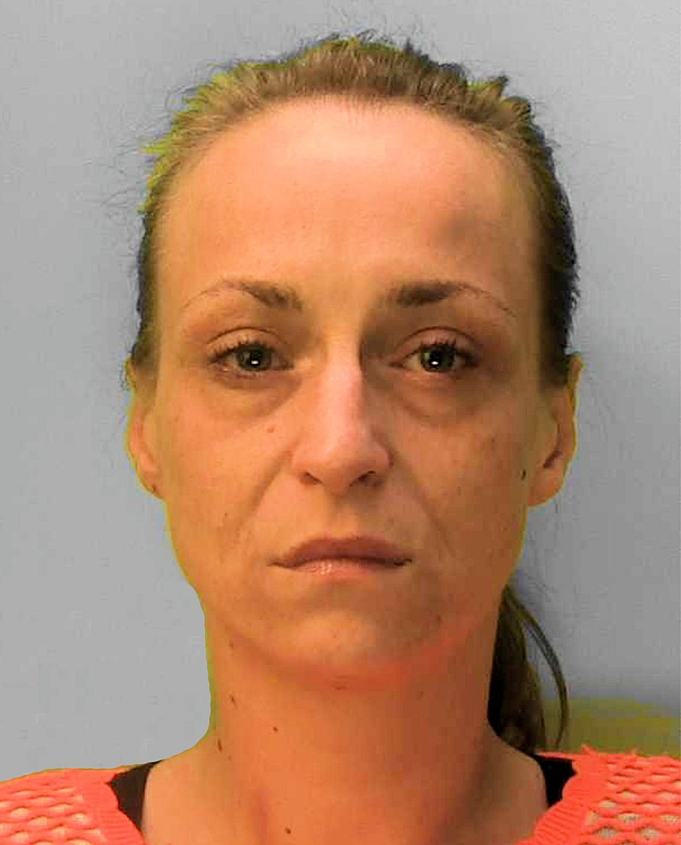 Do you know where Toni Deerans is? Were offering a £500 reward for anyone who provides information that helps us to locate her. Shes wanted in connection with a series of burglaries in the Brighton area and a robbery. 👉 Read more: socsi.in/Ml7GH