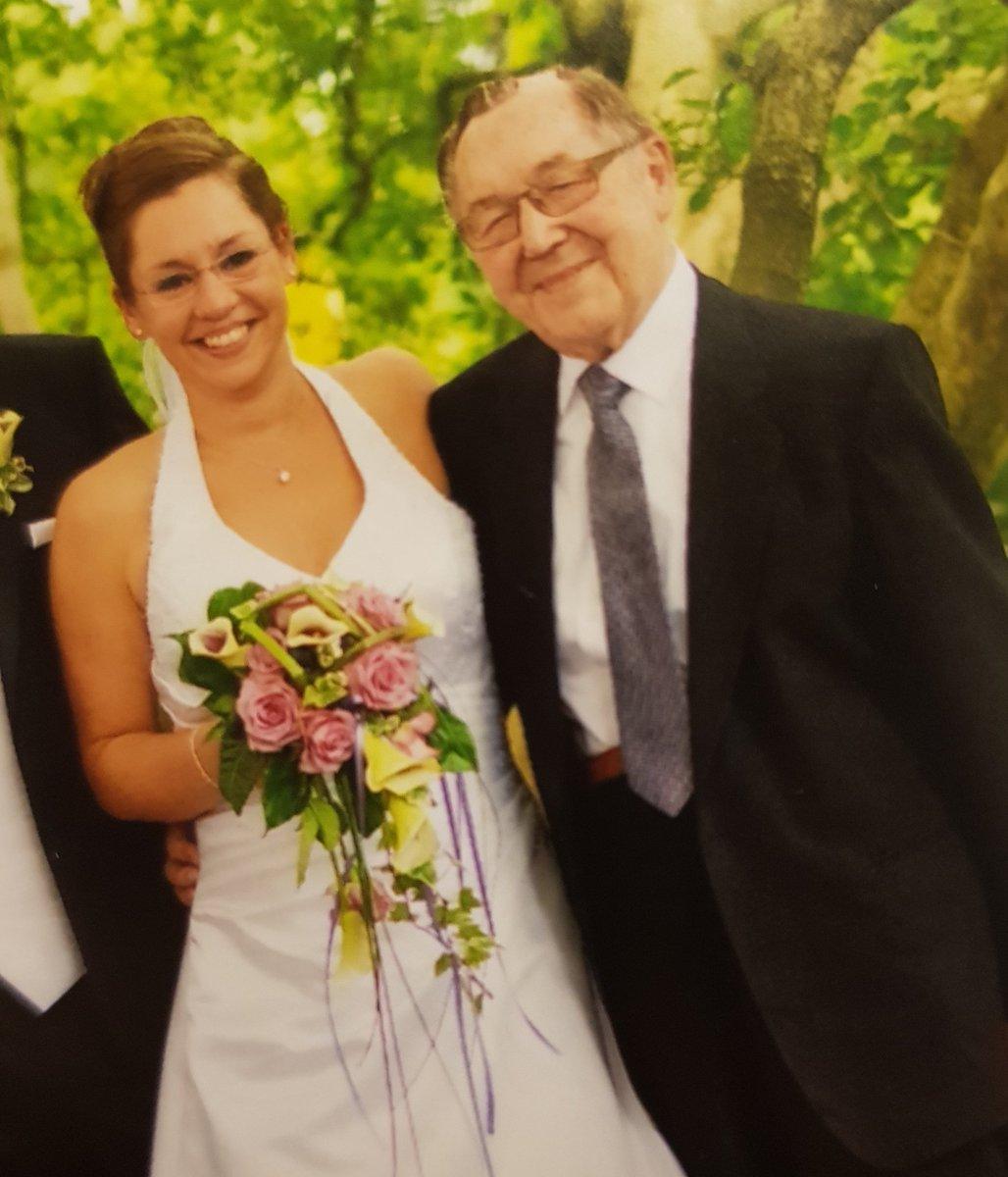 An manchen Tagen fehlst Du mir besonders laut. Heute ist so ein Tag. Ich hab Dich so lieb, Opa.  #4jahre #besteropaderganzenwelt #ichvermissedich