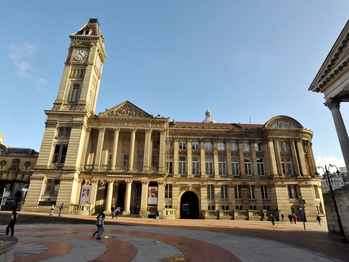 test Twitter Media - Midlands & Birmingham poets! Grab this chance for feedback on your poems with @rozgoddard at Birmingham Museum & Art Gallery, a world class museum in the heart of Birmingham.   BOOKING NOW for Saturday 14 March 2020  @BM_AG   https://t.co/FygFzMj7Av https://t.co/jlKnlmabMD