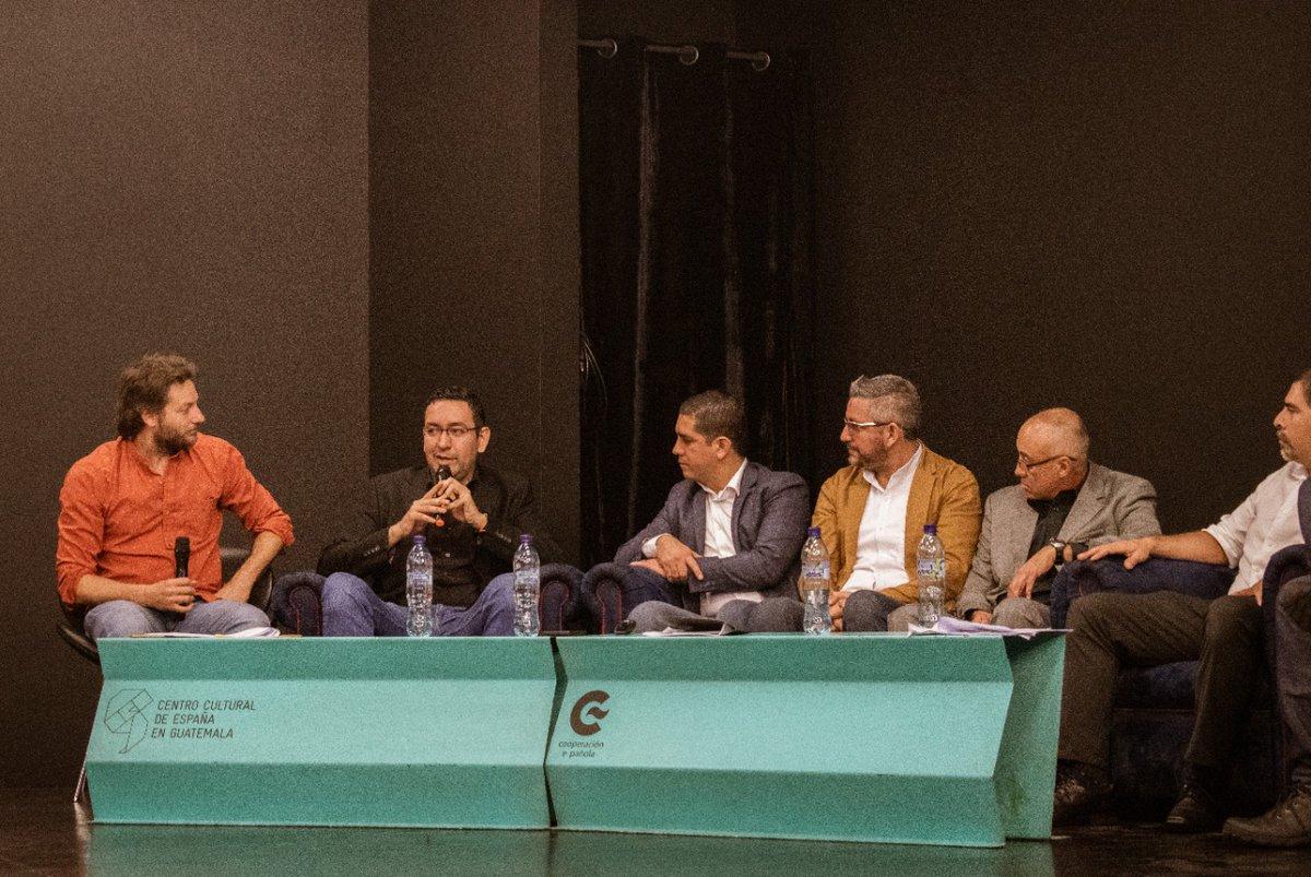 #PRONACOM participó en el Foro #LeyDeCine, organizado por @agacine_gt, en donde se resolvieron inquietudes de esta iniciativa que propone institucionalizar y promover la industria cinematográfica en Guatemala. Esta permitirá atraer nuevas inversiones y más oportunidades al gremiopic.twitter.com/Y84cuJOxAM