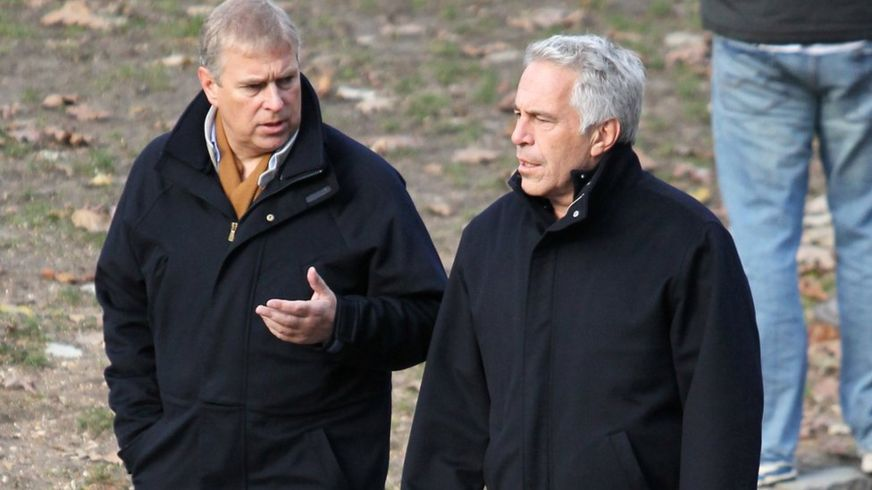 *NEW COLUMN* I can only conclude Prince Andrew's refusal to talk to the FBI about his paedophile pal Epstein is because he's a snivelling coward with something to hide. The Queen should make him face the music. dailym.ai/36yXgQv